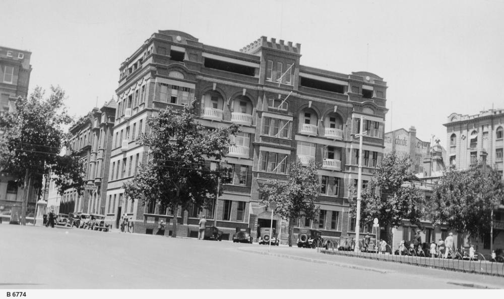 Building of upper storey.